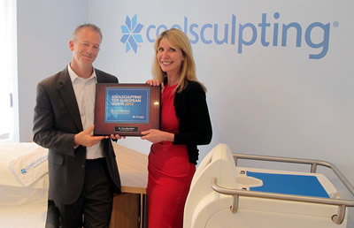 Dr Tracy Mountford receiving CoolSculpting Award